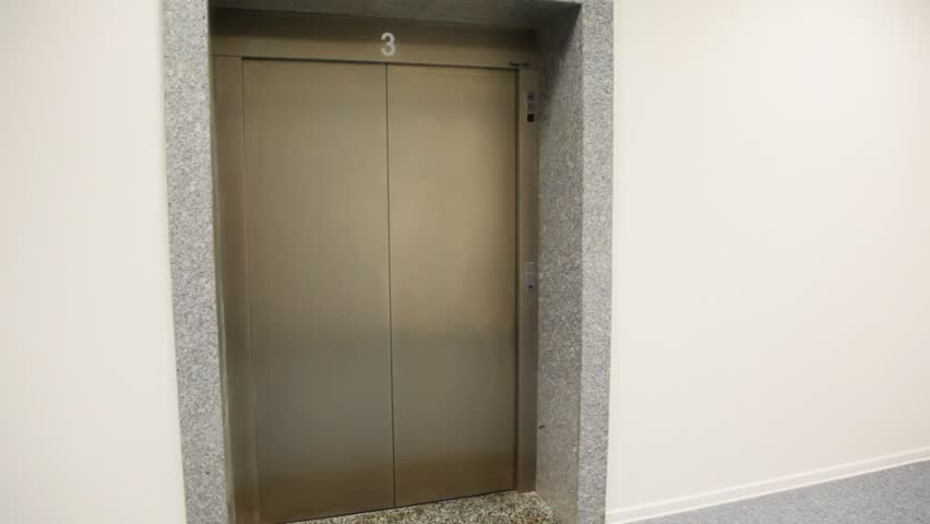 empty lift comes on floor number 3, doors open and closed