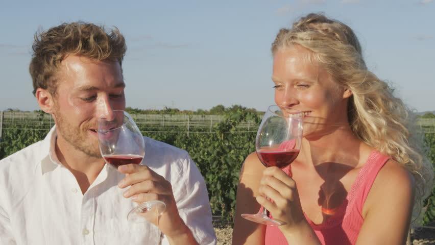 Resultado de imagen para girls drinking rose wine