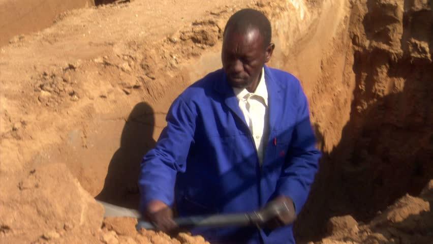 Header of gravedigger