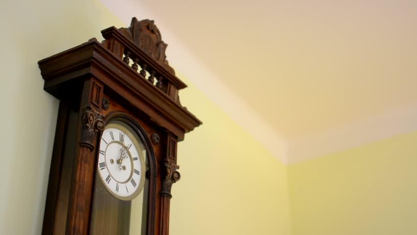 Resultado de imagem para clock on the sunset