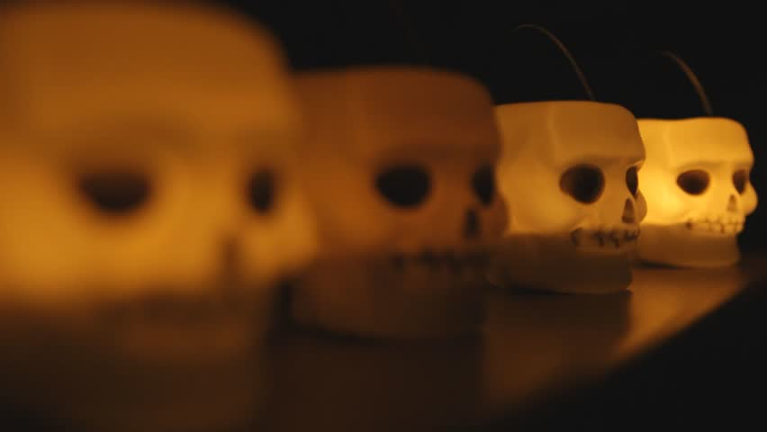 skull candle light