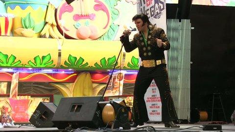 LAS VEGAS, NV - APRIL 22: Elvis performing at outdoor stage on Fremont Street on April 22, 2014 in Las Vegas, Nevada.
